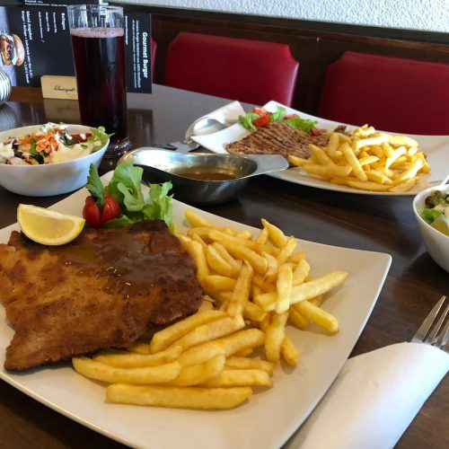 Schnitzel Wiener Art Blues Café Restaurant