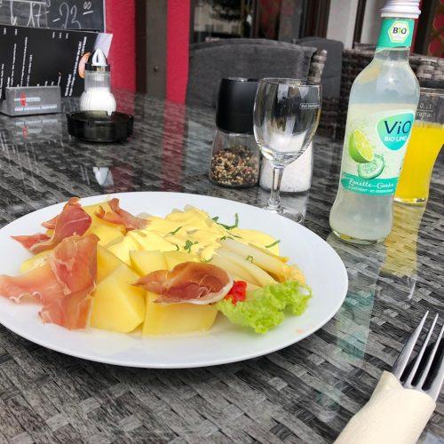 Spargel mit salzkartoffeln und Parmaschinken Blues Café Restaurant Gio