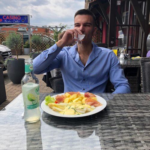 Spargel mit salzkartoffeln und Parmaschinken Blues Café Restaurant